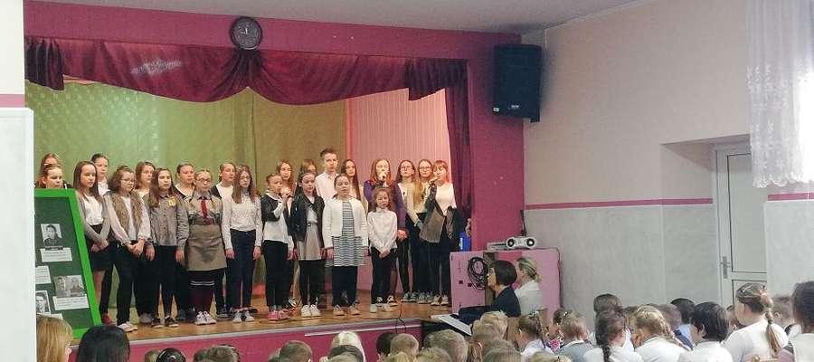 W czasie apelu w szkole w Mrocznie