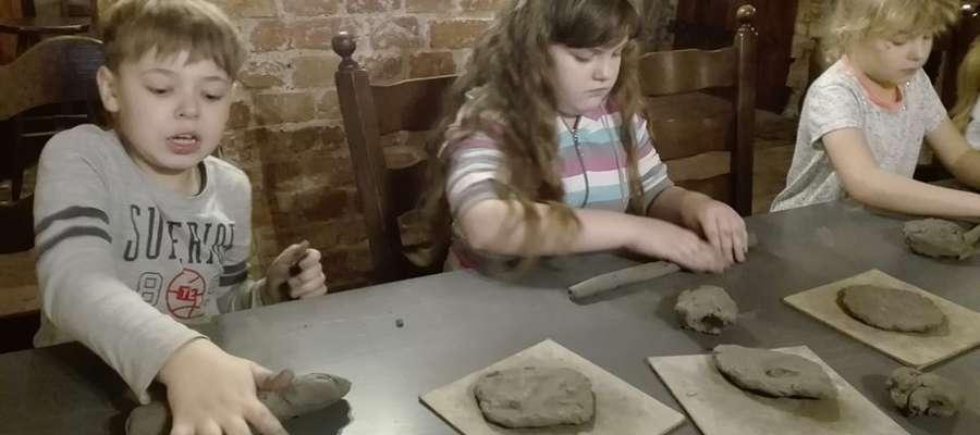 Dzieci podczas pracy