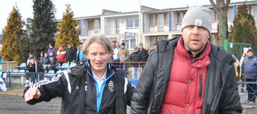 Na ławce trenerskiej klubów z Wikielca i Nowego Miasta Lub. zasiadają starzy znajomi, Piotr Zajączkowski (z lewej, Drwęca) i Arkadiusz Klimek (GKS)