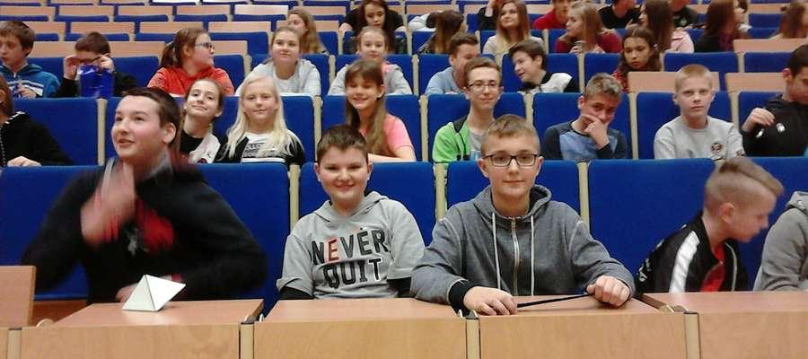 Podczas wizyty uczniów SP 2 na uniwersytecie