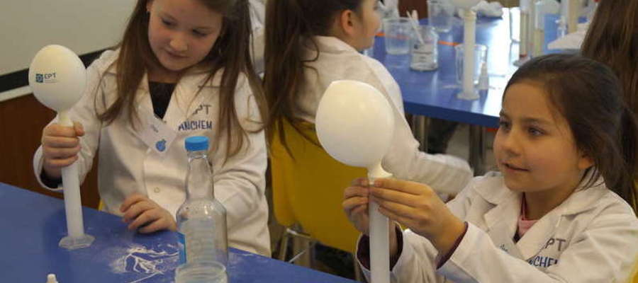 Akademia Młodego Chemika