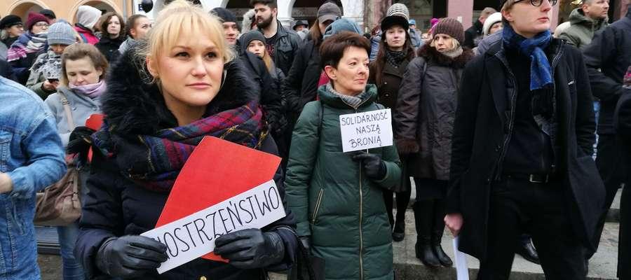 Tak wyglądał Czarny Protest, który odbył się w 2016 roku w Olsztynie