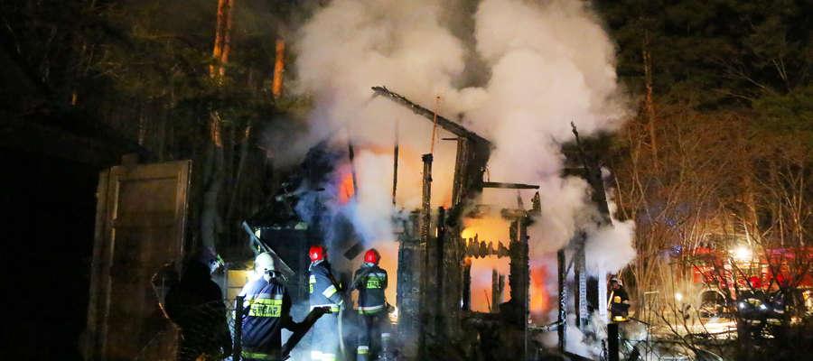 Pożar domku letniskowego w Olsztynie [ZDJĘCIA, VIDEO]