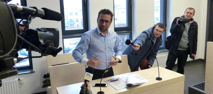 Grzegorz Słyszyk, prezes IBC Investment, po licytacji chętnie rozmawiał z dziennikarzami