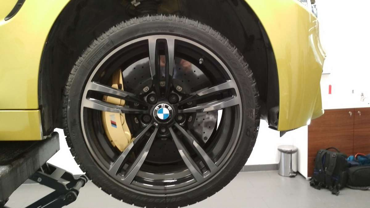 BMW - full image