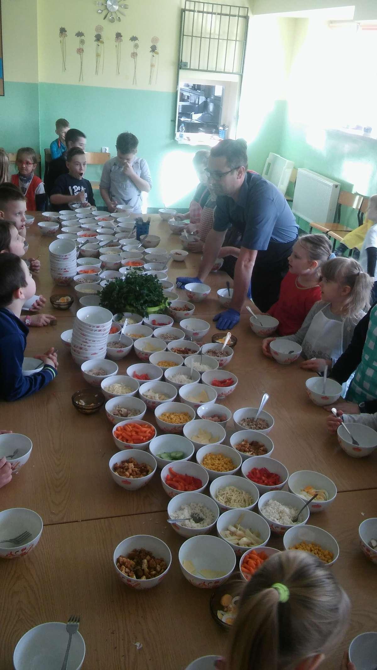 W czasie warsztatów kulinarnych w Bielicach