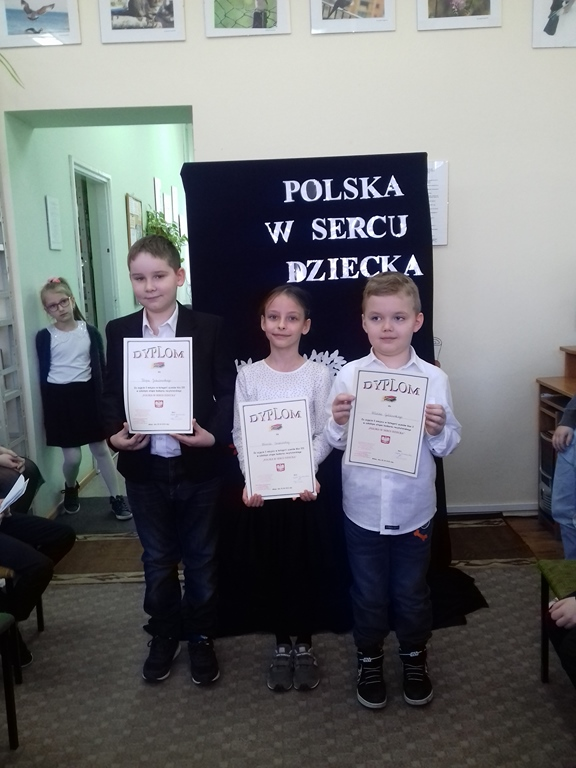 http://m.wm.pl/2018/04/orig/0000035401-i-etap-konkursu-recytatorskiego-zdjecie-2-459108.jpg