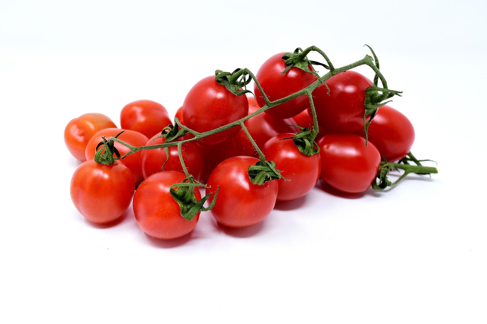 http://m.wm.pl/2018/04/orig/tomatoes-3121960-1920-460339.jpg