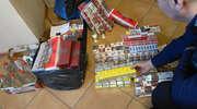 Policjanci zabezpieczyli 14 500 sztuk papierosów i 9 litrów alkoholu