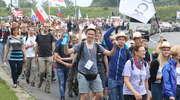Świat krzyczy, więc młodzi Polacy uciekają do Boga