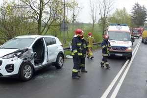 """Cztery auta zderzyły się na krajowej """"15"""" w Sampławie!"""