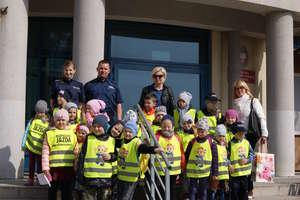 Przedszkolaki z Rudki z wizytą u szczycieńskich policjantów