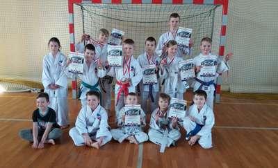 Młodzi medaliści z Radzanowa