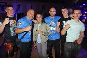 Ekipa Bartoszyckiej Szkoły Taekwondo, już po walce Sebastiana, z Joanną Jędrzejczyk