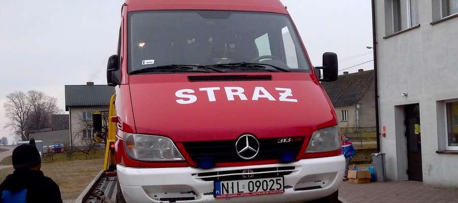 Strażacki Mercedes co prawda wrócił do remizy na lawecie, jednak strażacy byli zadowoleni, że nie zginęło nic z jego wyposażenia