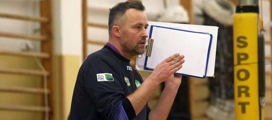 Trener Maciej Dobrowolski