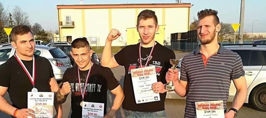 Arrachion Iława na zawodach w Sochaczewie, od lewej strony: Kamil Lendzion, Adrian Błoński, Wojciech Makowski i Tomasz Makowski