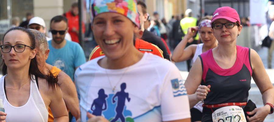 Mimo wysiłku uczestnicy biegu humory mieli znakomite, bo ruch to przecież samo zdrowie!