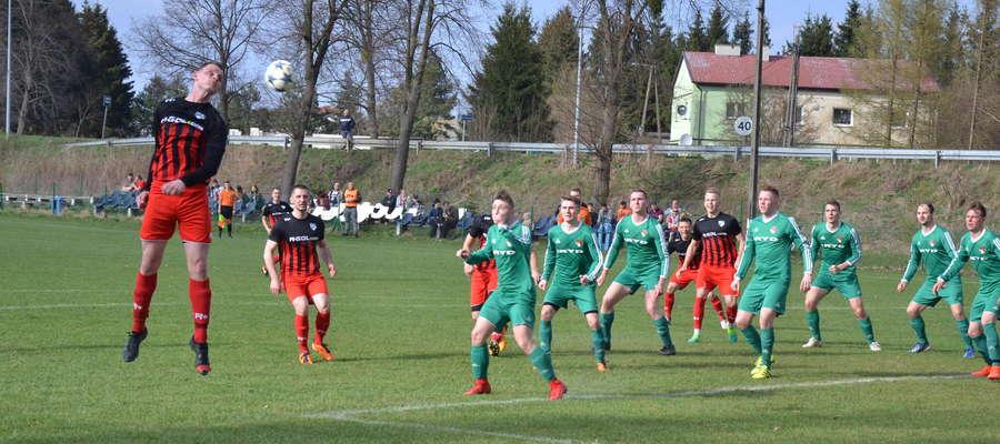 Tęcza Miłomłyn pierwszy raz na własnym boisku w tym roku wygrała trzeci wiosenny mecz