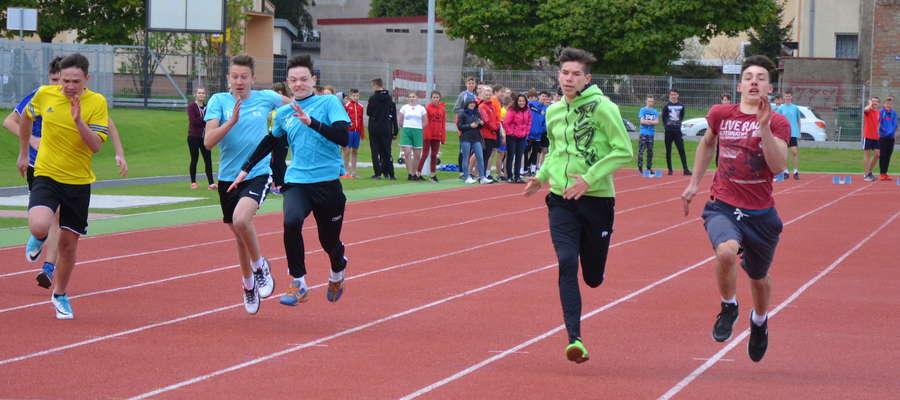 Stadion lekkoatletyczny spełnia swoją rolę, za nami dwudniowe Grand Prix Biegowe dla uczniów ostródzkich szkół