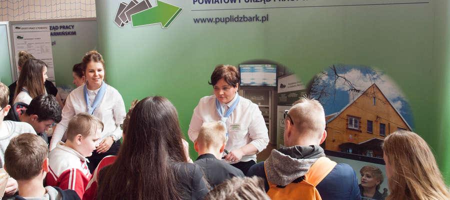 X Targi Pracy i Edukacji Powiatowego Urzędu Pracy w Lidzbarku Warmińskim. Odbyły się 6 kwietnia w sali sportowej Zespołu Szkół i Placówek Oświatowych.