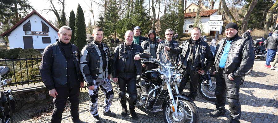W Wielką Sobotę już od wielu lat do Świętej Lipki przyjeżdżają motocykliści z całego regionu. Wśród nich ponownie znalazła się ekipa z Kętrzyna.