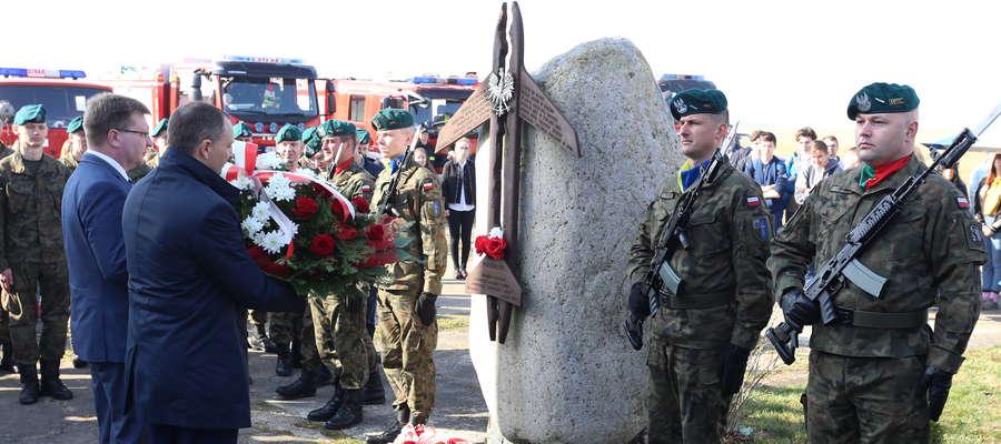 Rocznica katastrofy smoleńskiej jest obchodzona na podkętrzyńskim lotnisku już od 2011 roku.