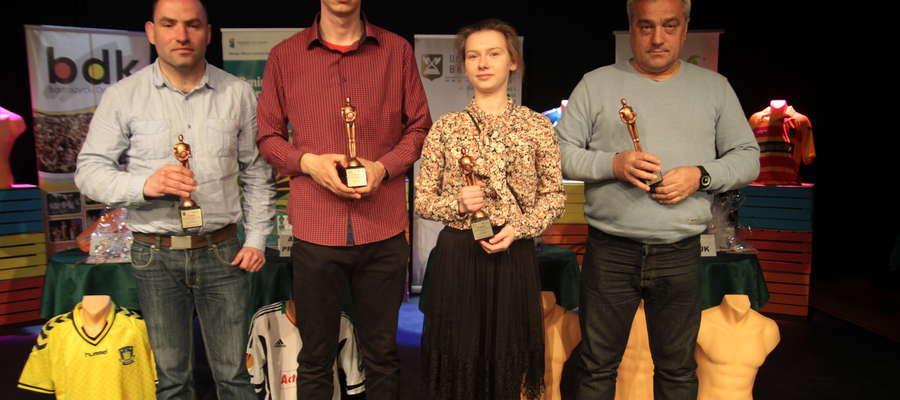 Uczestnicy finału III Konkursu Wiedzy o Sporcie (od lewej): Kamil Rynkiewicz, Arkadiusz Protokowicz, Joanna Budna i Józef Kasjaniuk