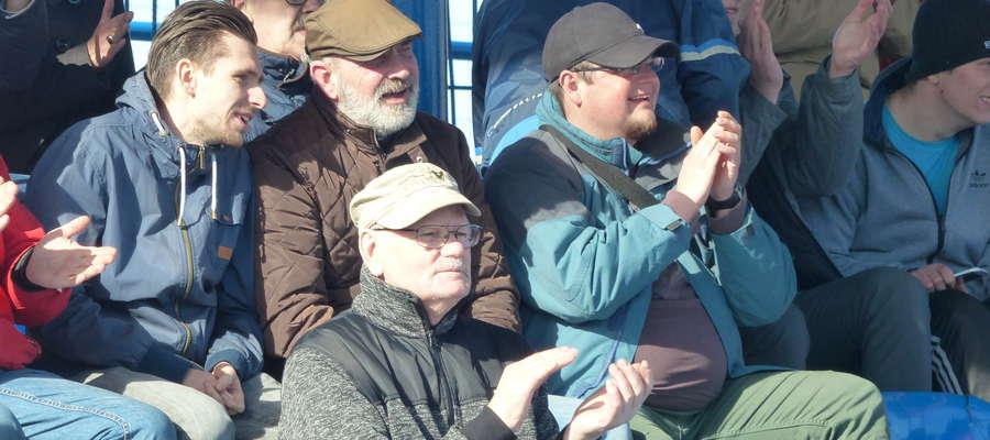 Kibicom Jezioraka ręce same składają się do oklasków, patrząc na grę iławskiej drużyny