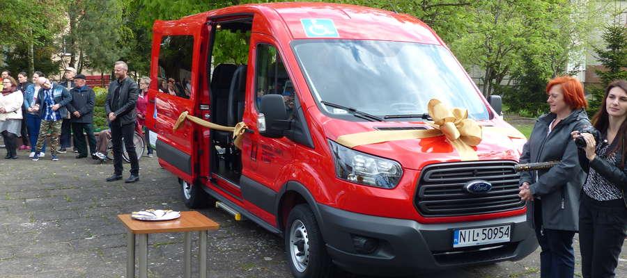 Nowy ford transit znacznie podniesie komfort podróży osób z niepełnosprawnościami