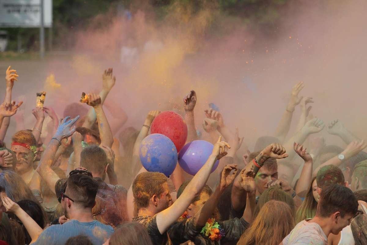 UWM in Colors Kortowiada  Olsztyn - UWM in Colors podczas Kortowiady - full image