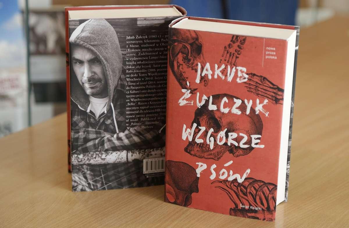 Wawrzyn Literacki 2017  Olsztyn-Literacka Nagroda Warmii i Mazur dla Jakub Żulczyk za książkę Wzgórze Psów odebrali rodzice autora