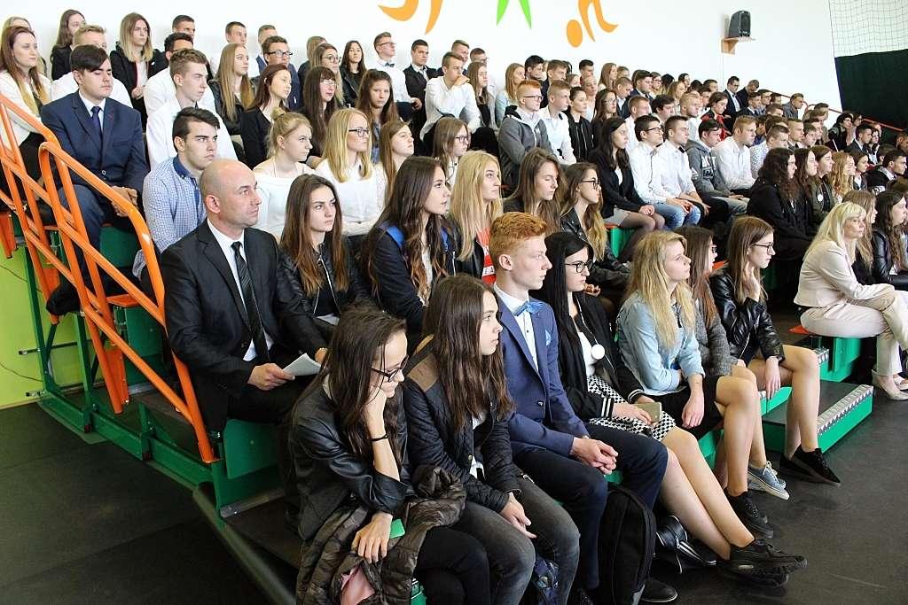 Podczas uroczystości zakończenia szkoły