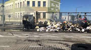 Na przejściu granicznym w Bezledach spłonęła ciężarówka z naczepą i ładunkiem. Ruch ciężarowy jest tam wstrzymany