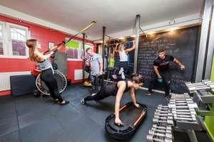 Kobieta w klubie fitness!