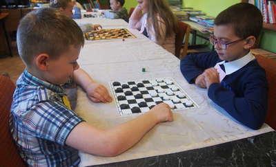 Szkolny Turniej Gry w Warcaby, czyli uczymy się planowania i logicznego myślenia