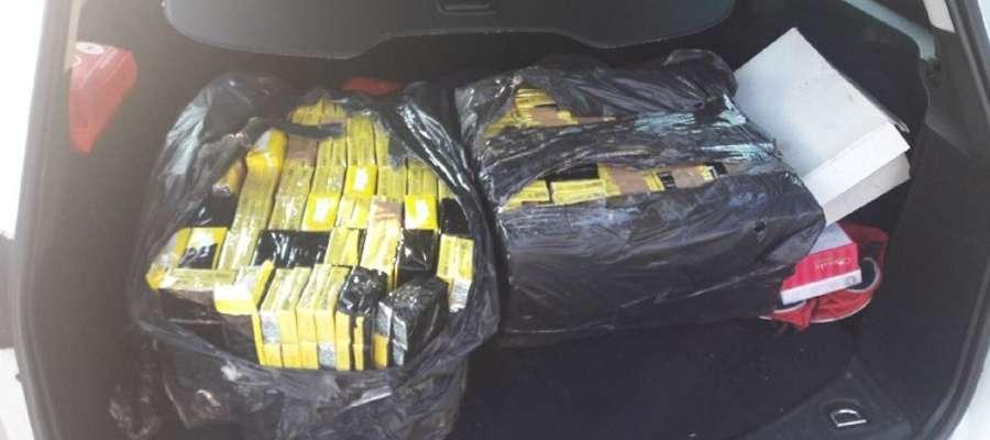 Te papierosy przewoził mieszkaniec Bartoszyc zatrzymany do kontroli w powiecie ostródzkim.