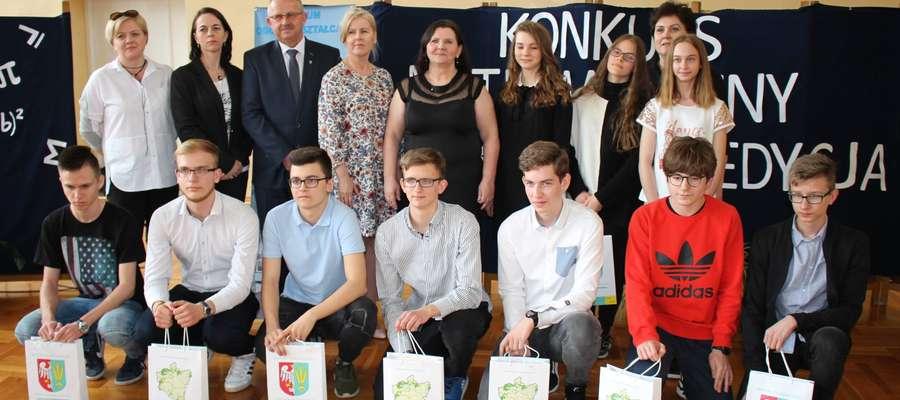 Laureaci konkursu. Kategorię szkół średnich zdominowali uczniowie żuromińskiego ogólniaka.