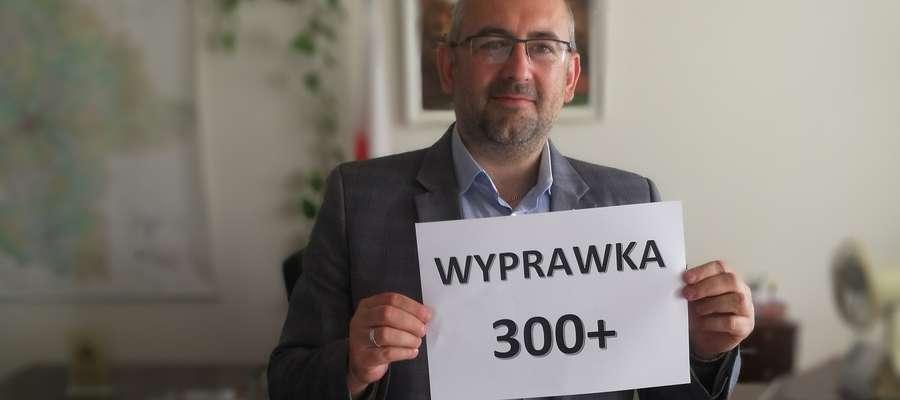 Kierownik Krzysztof Bińkowski zachęca rodziców do składania wniosków o środki na wyprawkę szkolną dla swoich dzieci