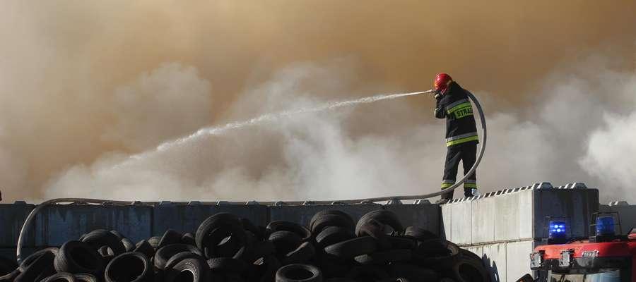 Pożar sortowni  Olsztyn-duży pożar w sortowni śmieci przy Lubelskiej