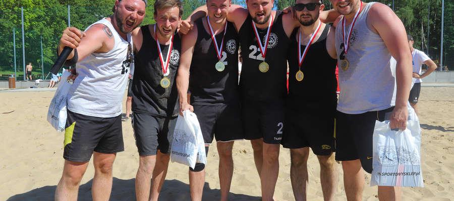 Orły OSW Olsztyn wygrały pierwsze otwarte akademickie mistrzostwa Warmii i Mazur w piłce ręcznej plażowej