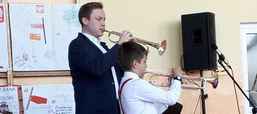 Podczas koncertu w szkole w Brzoziu Lubawskim