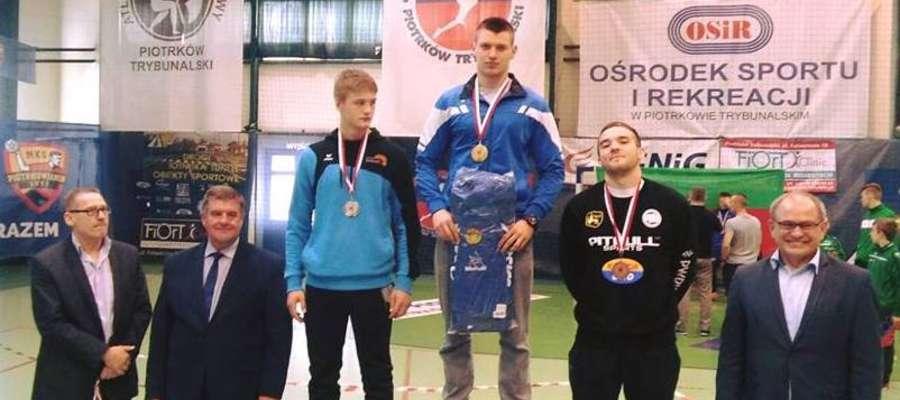 Zapaśnicy wrócili z Piotrkowa Trybunalskiego z medalami