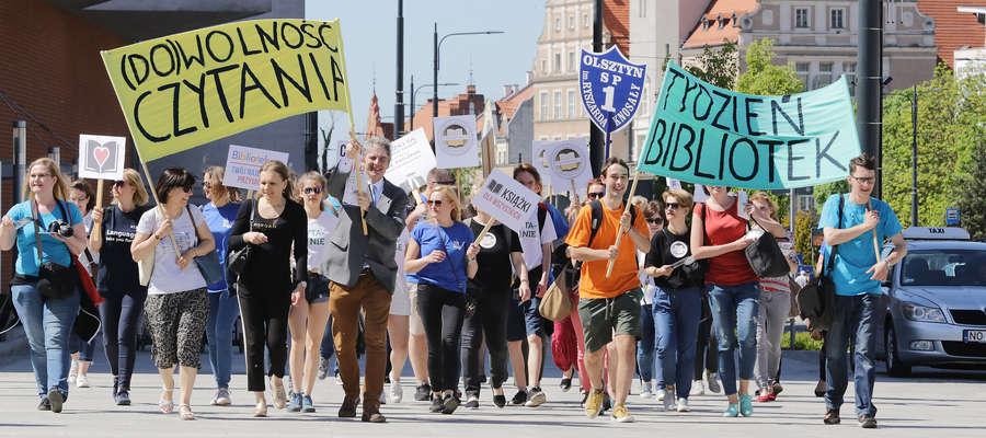 marsz bibliotekarzy