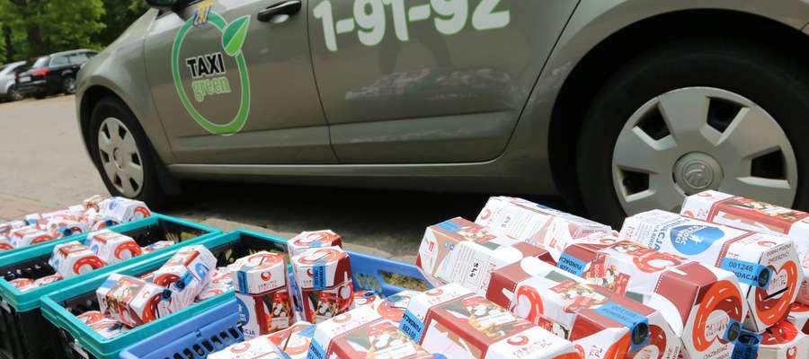 """Skarbonki Fundacji """"Przyszłość dla Dzieci"""" są w Green Taxi"""