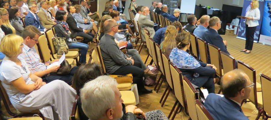 """II Konferencja naukowa """"Alternatywne modele rozwoju miast. Wyzwania i problemy małych miast i ich otoczenia."""""""