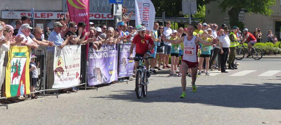 Pierwszy na mecie 29. Maratonu Juranda pojawił się Paweł Piotraschke