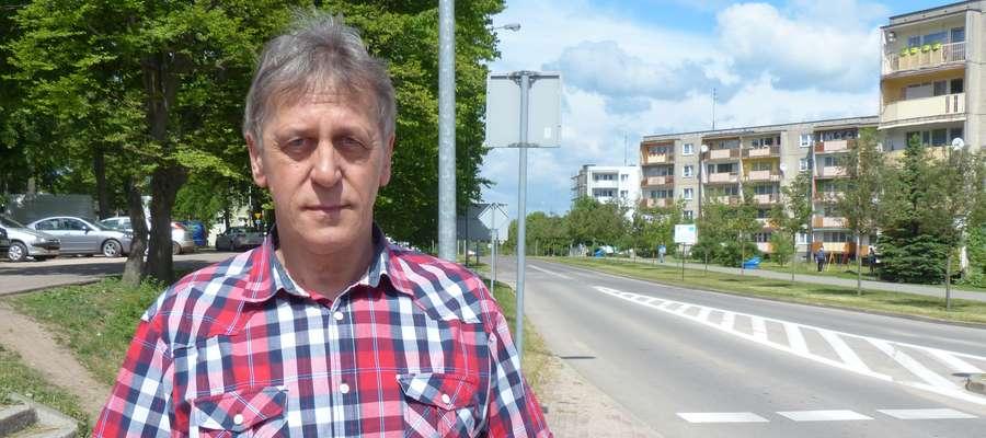 """Zygmunt Iliński z Iławy chce zmiany patrona ul. Szeptyckiego (""""biegnie"""" z jego lewej strony)"""