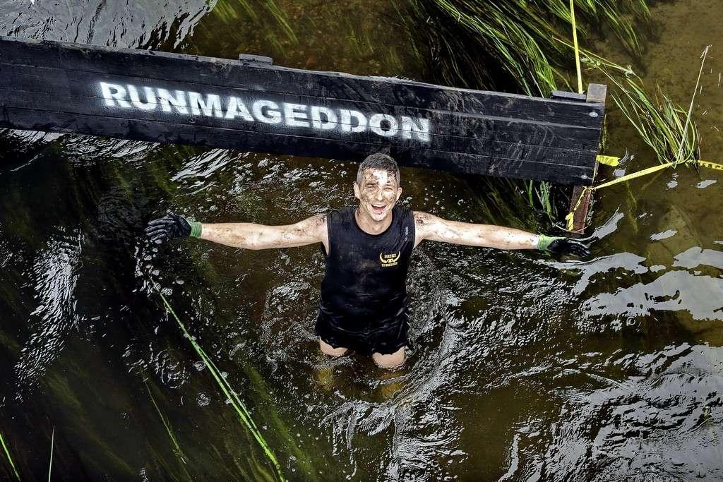 Runmageddon nadchodzi wielkimi krokami. Tym razem odbędzie się mecz piłki... błotnej - full image
