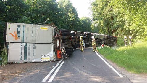 Российский грузовик перевернулся в Польше